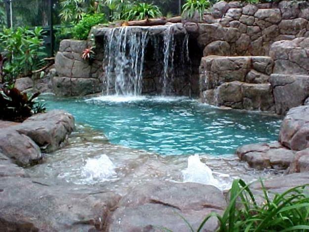 Imagenes-de-piscinas-con-cascadas